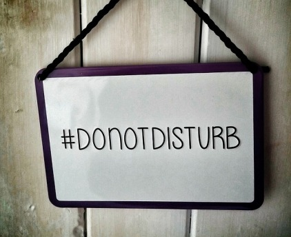 do not distrub sign-1185059_640