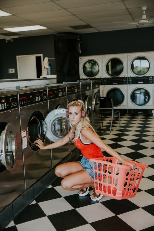 Laundry photo-1469504512102-900f29606341