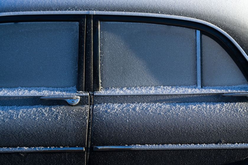 juha-lakaniemi-photo-of-icy-car