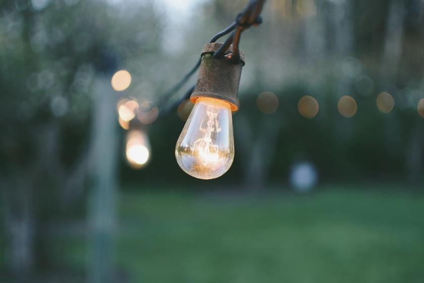 patio lights photo-1464491965784-a12f0f70642b