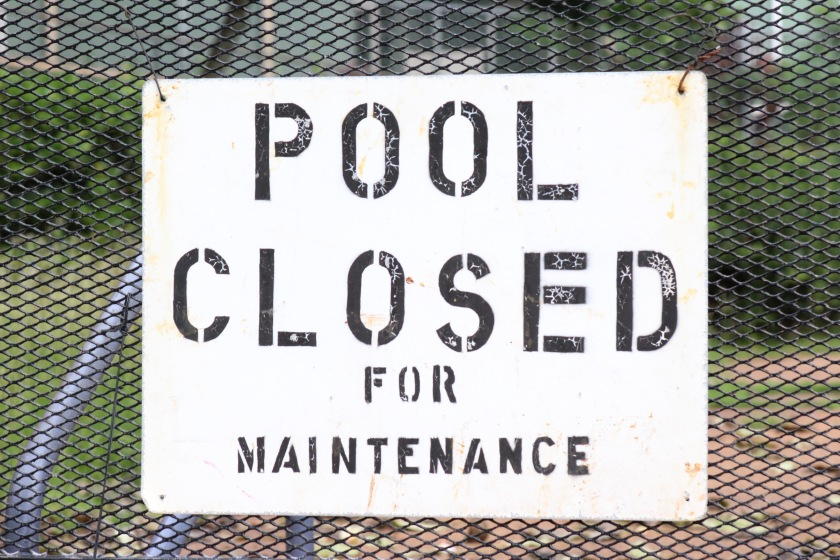 pool closed photo-1465198901163-2d15b88fecea