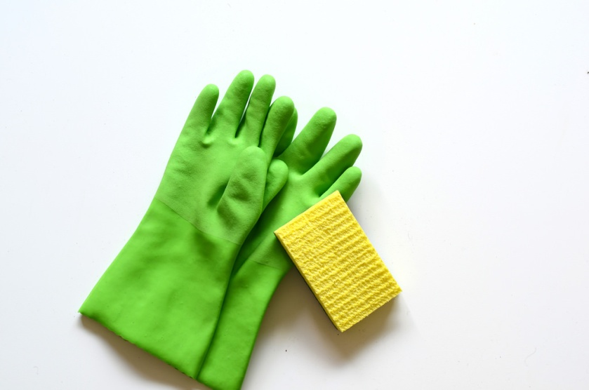 rubber gloves-sponge28449392440_95c99f6cd9_b.jpg